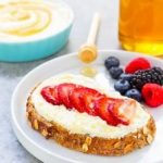 Ricotta-Strawberry Honey Spread: Wednesday's BUZZworthy Recipe